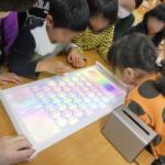 ネオス、ソニーモバイルと連携し新たな知育サービスプラットフォームの提供を開始<br><b>~ Xperia Touchを活用した幼稚園、保育園向け次世代型サービス~</b>